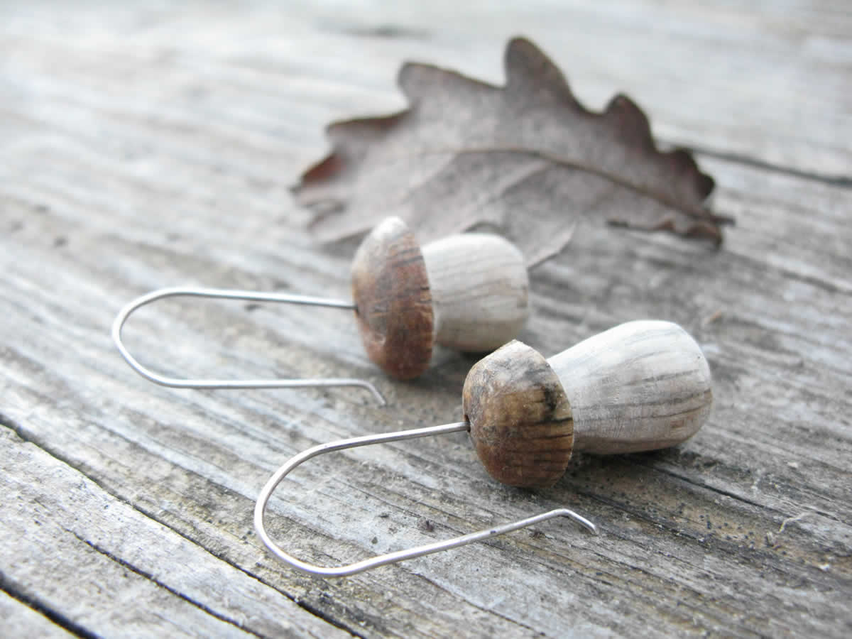 Handmade porcini earrings made from oak wood and silver